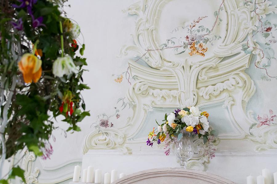 Blumenschmuck für Hochzeit im Freskensaal auf Schloss Halbturn