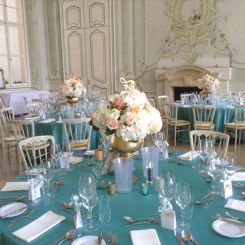 Hochzeit mit türkiser Dekoration im Freskensaal auf Schloss Halbturn