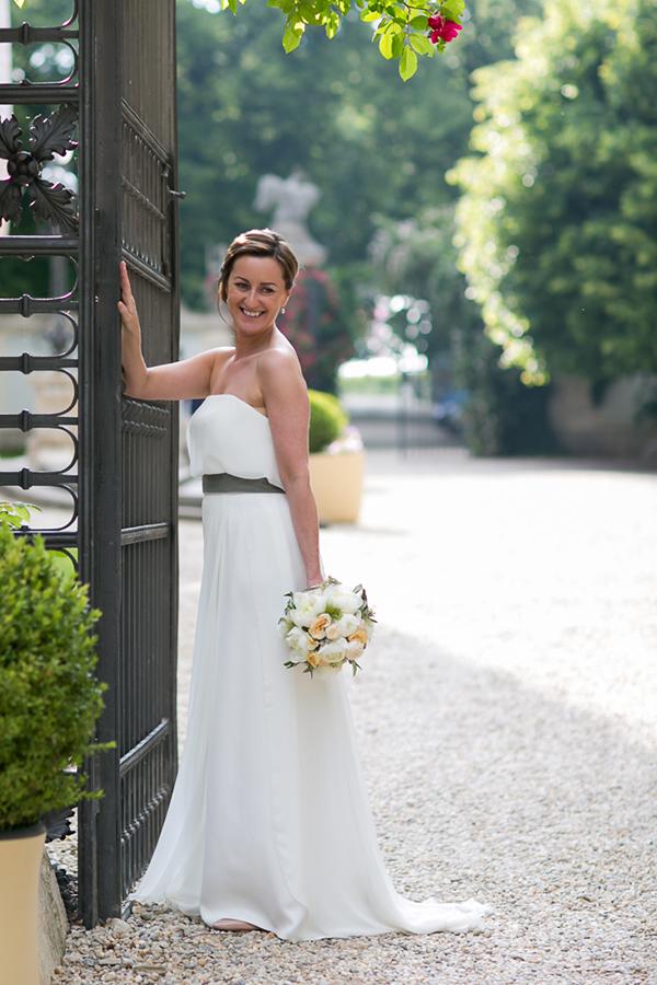 Glückliche Braut auf Schloss Halbturn
