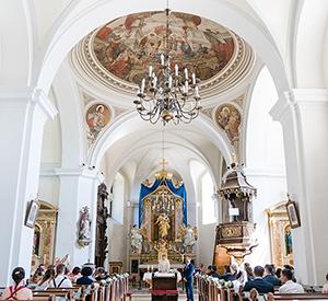 Hochzeit in der Pfarrkirche neben Schloss Halbturn