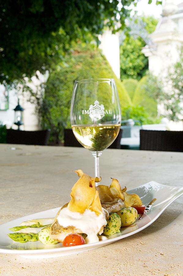 Knappenstöckl Zander mit Weißwein