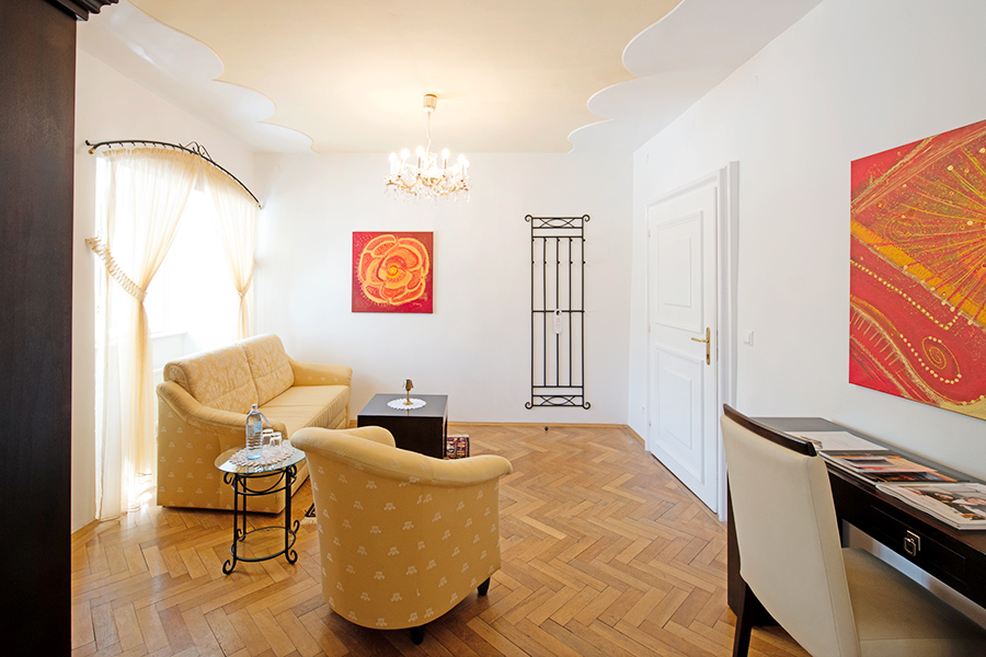 Schloss Halbturn Suite Grand Vin Wohnzimmer 1