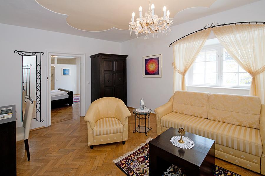 Schloss Halbturn Suite Grand Vin Wohnzimmer