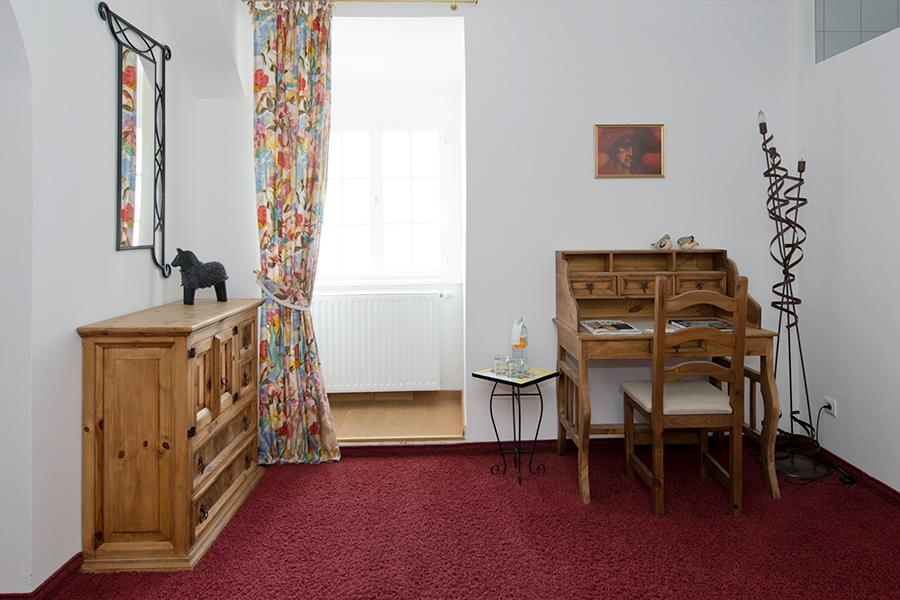 Schloss Halbturn Suite Pinot Noir 2